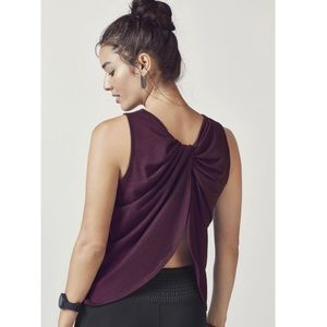 FABLETICS Fabiana twist back tank plus 3x top
